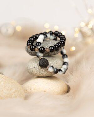 دستبند مهره ای سفید مشکی زنانه- محیطی