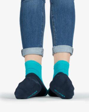 جوراب نخی دو رنگ -آبی فیروزه ای - روبهرو۲