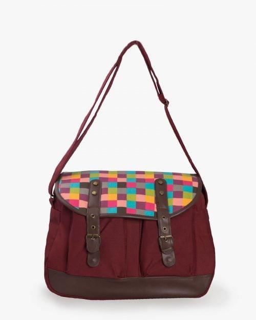 کیف دوشی زنانه کتان طرح مربع قرمز - عنابی - رو به رو