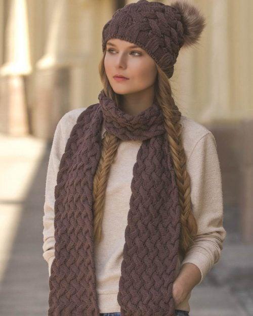 شال گردن و کلاه بافت طرح حصیری - کالباسی تیره - محیطی زنانه