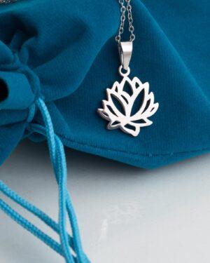 گردنبند استیل طرح گل - نقره ای - آویز گل