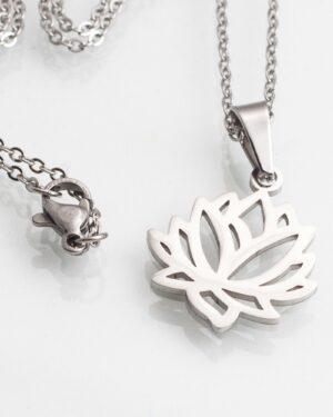 گردنبند استیل طرح گل - نقره ای - گردنبند استیل
