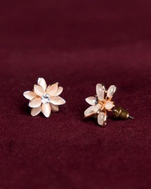 گوشواره میخی طرح گل - هلویی سیر - گوشواره