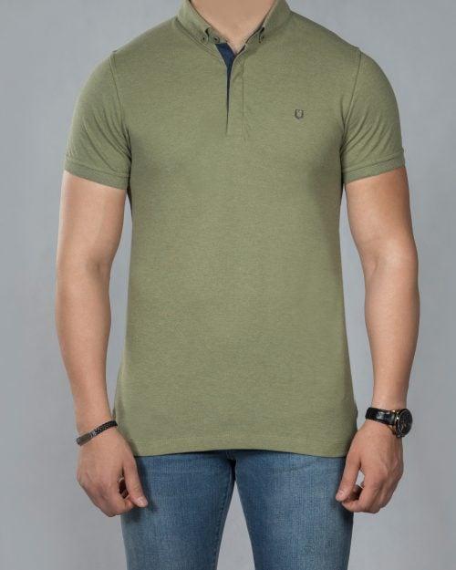 تیشرت یقه دار ساده مردانه - زیتونی - رو به رو تیشرت