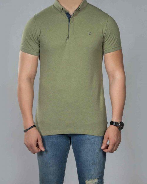 تیشرت یقه دار ساده مردانه - زیتونی - رو به رو