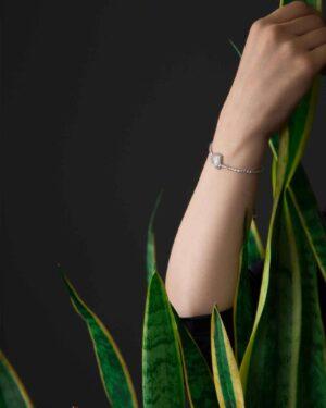 دستبند قلب نگین دار دخترانه - نقره ای - محیطی زنانه