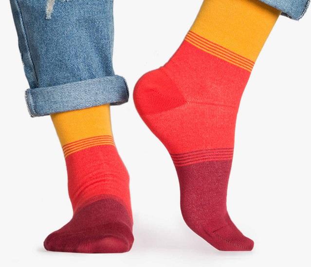 اکسسوری زنانه جوراب رنگی شامل زرد و نارنجی در فروشگاه اینترنتی سارابارا