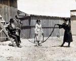 استفاده از بلند ترین ریش دنیا به عنوان طناب