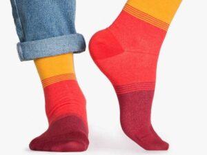 اکسسوری زنانه جوراب رنگی شامل زرد و نارنجی در فروشگاه اینترنتی سارابارا - مجله اینترنتی مد سارابارا