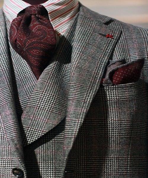 کت و شلوار پارچه چهارخانه سیاه و سفید