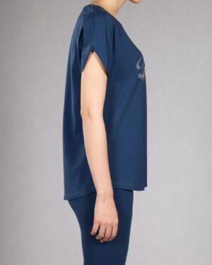 تیشرت دخترانه طرح نوشته - آبی کاربنی - بغل