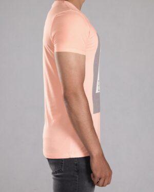تی شرت طرح دار مردانه - گلبهی پاستیلی - بغل