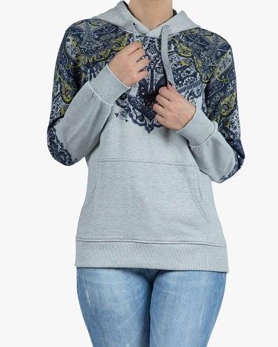 هودی طرح سنتی زنانه روی شلوار جین