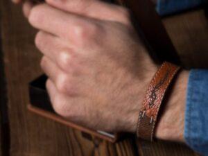 دستبند قهوه ای سارابارا - مجله اینترنتی مد سارابارا