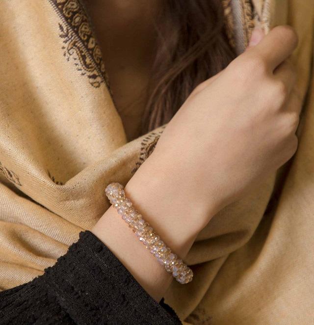 دستبند کریستالی دخترانه در فروشگاه اینترنتی سارابارا
