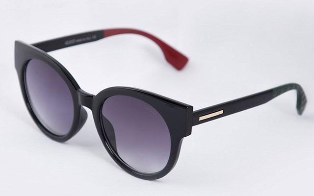 اکسسوری زنانه عینک آفتابی قرمز و مشکی در فروشگاه اینترنتی سارابارا