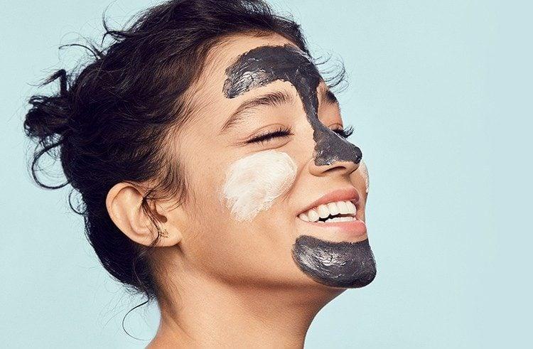 پوست صورت زن ماسک ذغال از انواع ماسک صورت خانگی