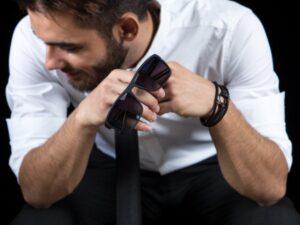 پیراهن سفید مردانه سارابارا با آستین های تا شده - مجله اینترنتی مد و فشن سارابار