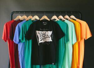 رنگها و انواع تیشرت مردانه