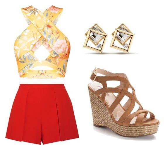 لباس نیم تنه و شلوارک قرمز همراه گوشواره