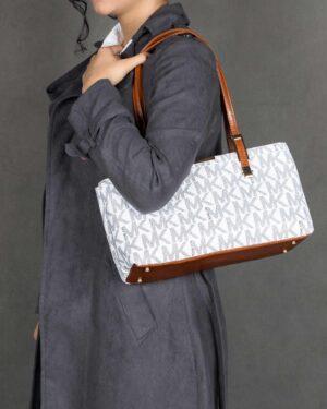 کیف دوشی دخترانه طرح دار - سفید - کیف زنانه