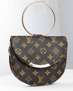 کیف دوشی زنانه طرح لویی ویتون - قهوه ای تیره - رو به رو