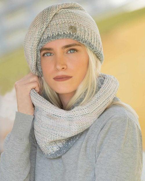 ست کلاه کج و شال گردن رینگی بافت - طوسی - محیطی زنانه