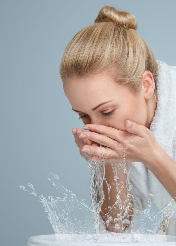 شستشوی صورت راهکارهای محافظت از پوست و شستشوی صورت