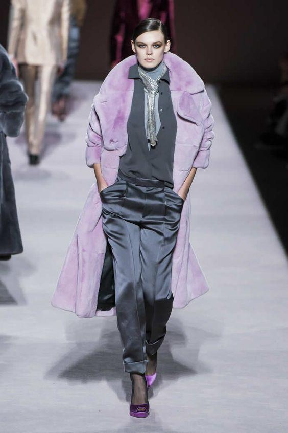 شلوار خاکستری پالتو خز یاسی رنگ استایل چرم قرمز کت واک شنل خردلی چکمه زرشکی شلوار جین کت واک کت و شلوار قزمز رنگ ترند پاییز 2019