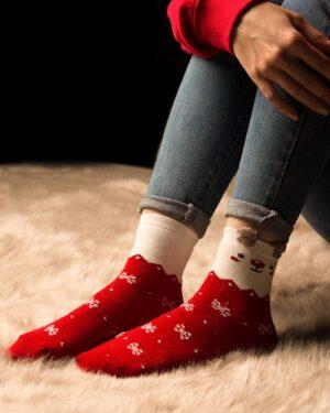جوراب نخی طرح برف و زمستان - مدل
