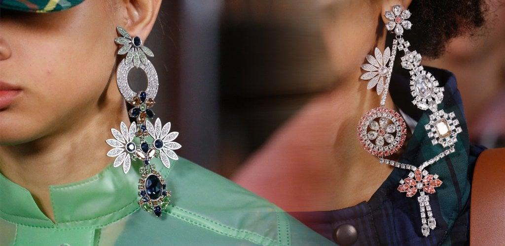 در انتخاب جواهرات و گردنبند دخترانه باید به چه نکاتی دقت کنیم؟