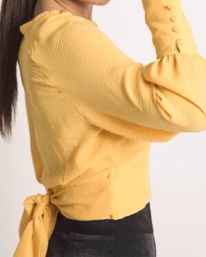 بلوز زنانه یقه گرد زرد-بغل-محیطی