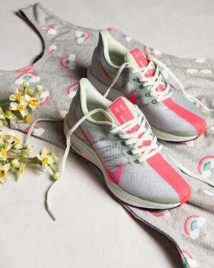 کفش-اسپرت-زنانه-طرح-نایک-طوسی-کمرنگ-محیطی