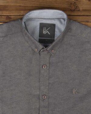 پیراهن آستین کوتاه مردانه نخی- خاکستری- روبرو محیطی-یقه