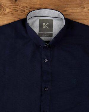 پیراهن آستین کوتاه مردانه نخی- سرمه ای تیره- روبرو محیطی-یقه