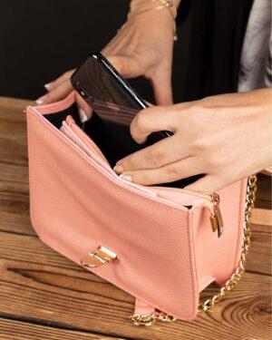 کیف زنانه مجلسی-صورتی کثیف- داخل محیطی