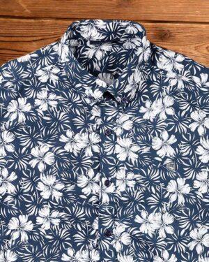 پیراهن مردانه طرح هاوایی- سرمه ای- نمای روبرو محیطی