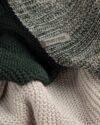 شال گردن - سبز تیره- طرح
