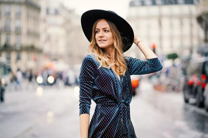 12 استایل کلاه دخترانه که زیبایی و گرما را با هم ترکیب میکنند